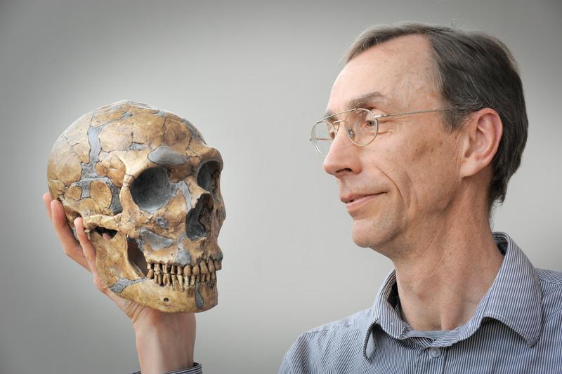 Max Planck Forscher Prof. Dr.Svante Pääbo entschlüsselt Neandertaler-Genom
