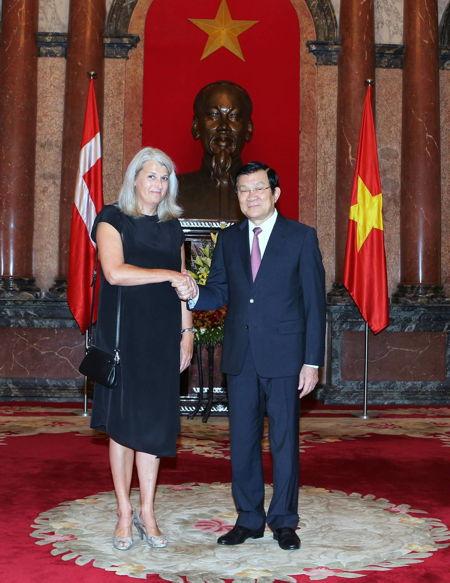 Charlotte-Laursen-Ambassador-Vietnam-accredited