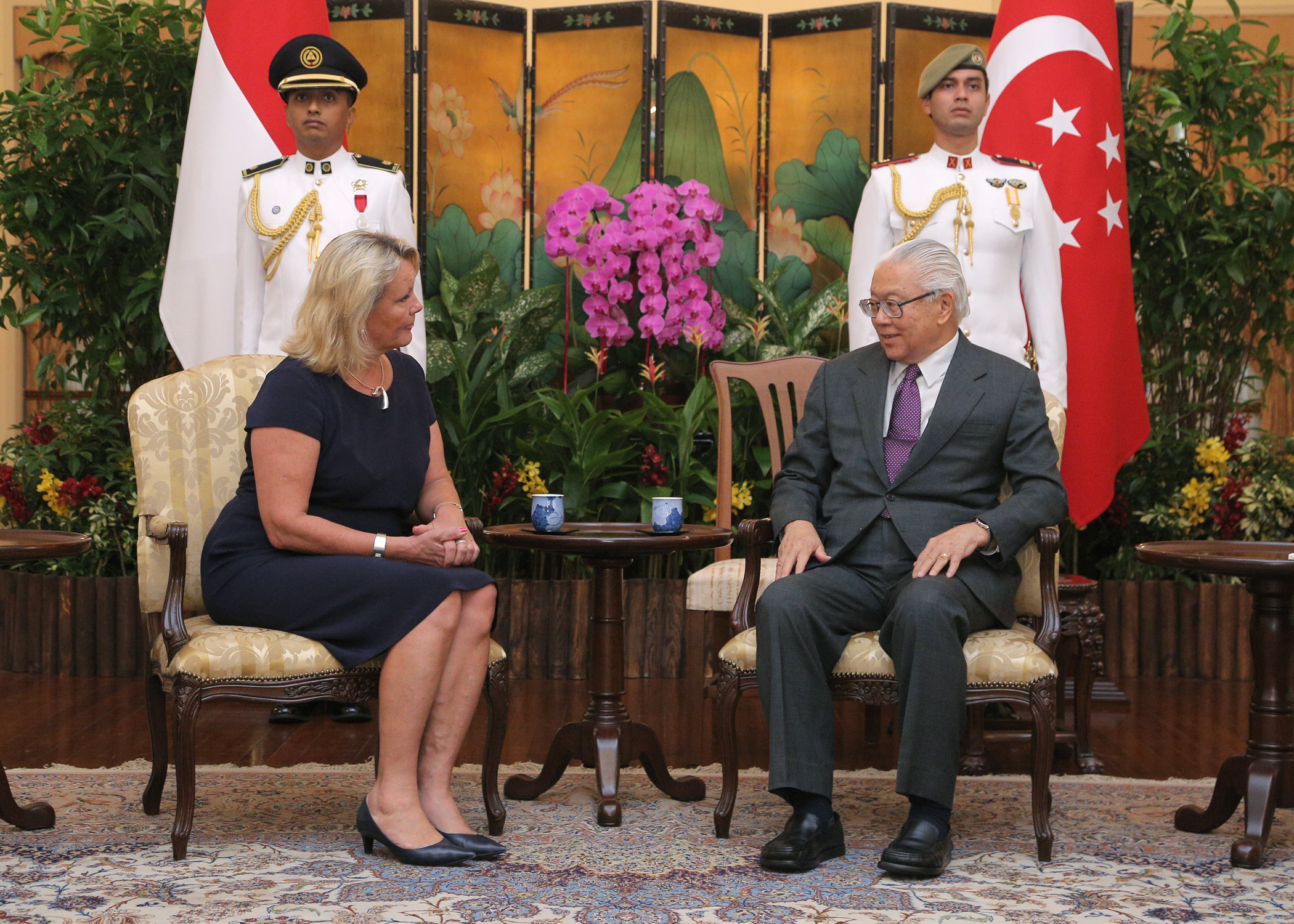 Finnish Ambassador in Singapore, Paula Parviainen, and the President of Singapore, Tony Tan. Source of picture: finland.org.sg
