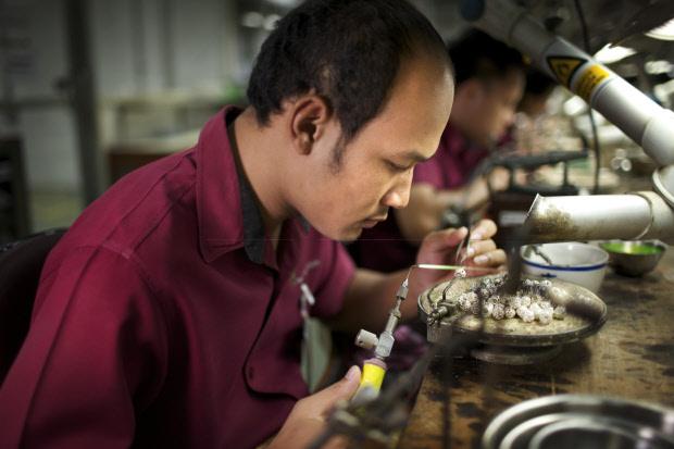 Pandora-jewellery-manufacturing4