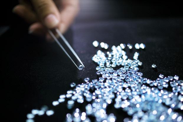 Pandora-jewellery-stones
