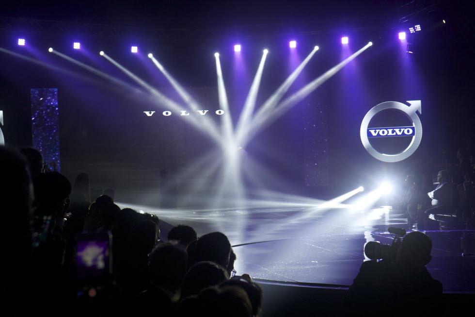 Volvo-xc90-bangkok-launch