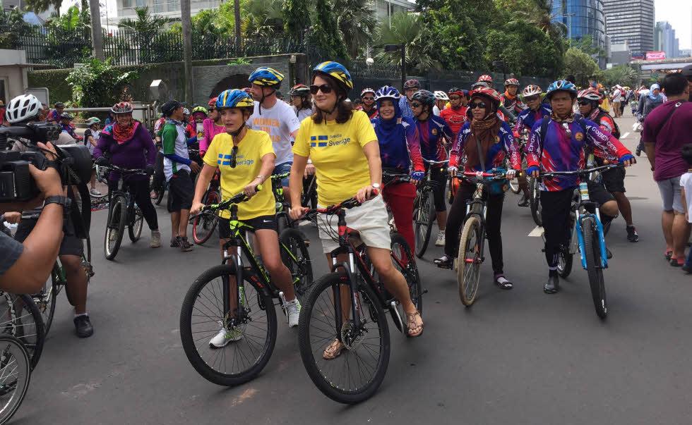 ann-linde-bike-jakarta