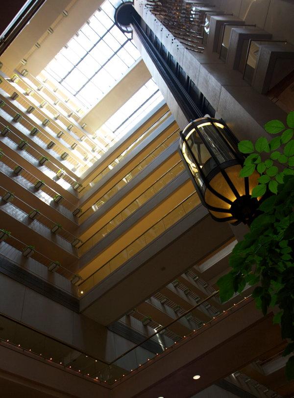 regent-singapore-atrium